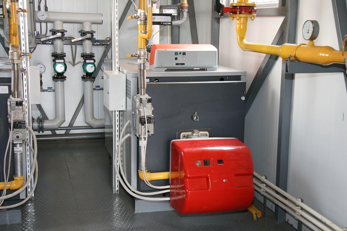 Jak działają piece CO na paliwa stałe – węgiel i pellet