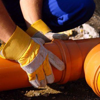 Pogotowie kanalizacyjne przy rurach Szczecin
